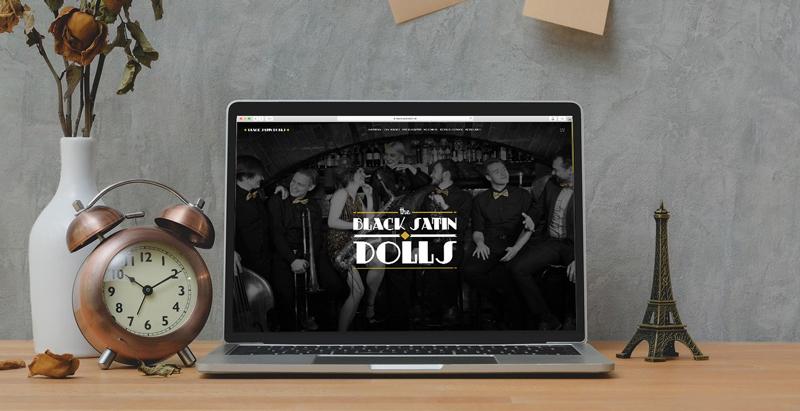 Textkeks Portfolio Black Satin Dolls